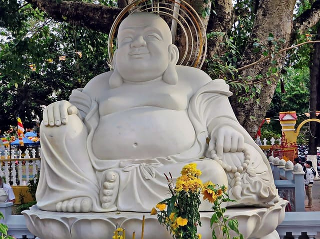 Vietnam-Ho-Chi-Minh-City-Saigon-Buddha.jpg